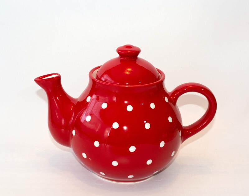 Keramik Teekanne mit weißen Punkten 1,7 L