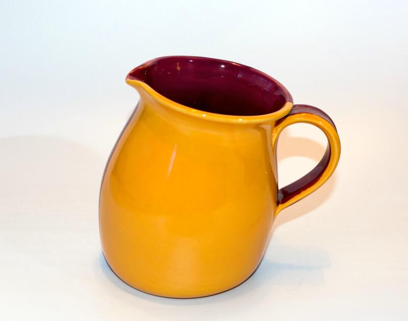 Lässige Keramik Krug Violett Gelb