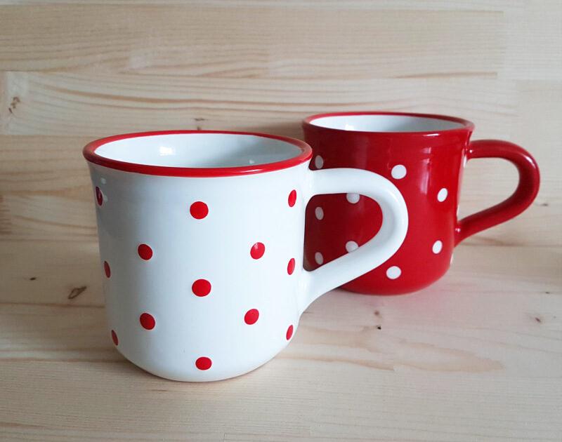 Keramik Frühstücksbecher L rot mit Punkten (0,55 L)