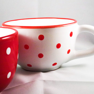 Keramik Jumbo Teetasse rot mit Punkten (0,5 L)