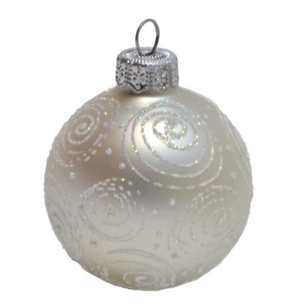 Weihnachtskugeln weiß mit weißen Verschnörkelungen